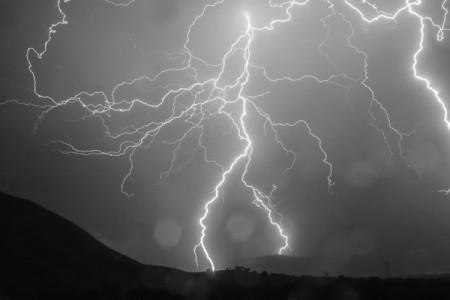 lightning3grey